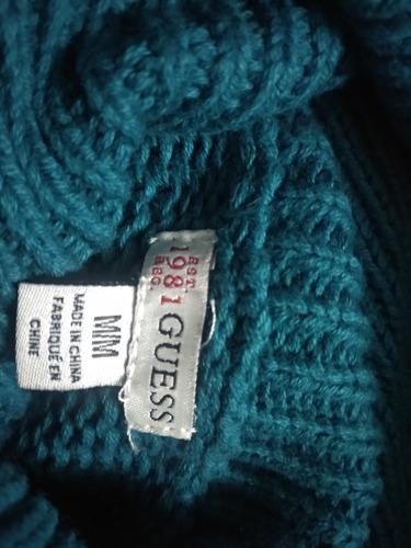 sweters guess.  100% originales. 25vd