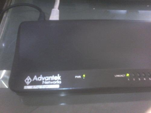 switch advantek de 8 puertos 10/100 usado