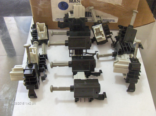switch control de embrague. original ford. 3m5t-11a152-ab.