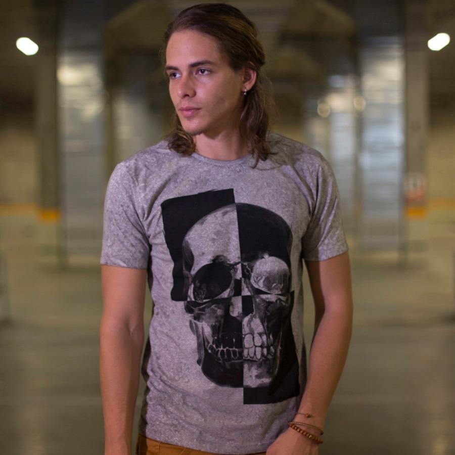 088c6ca06de2 T-shirt Masculina Com Estampa De Caveira - R$ 109,90 em Mercado Livre