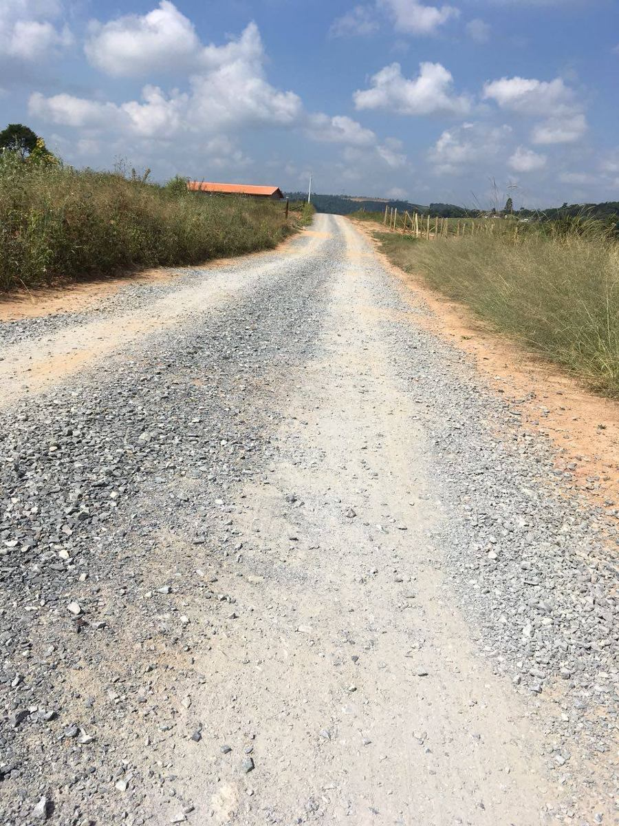 t01 terrenos em ibiuna, 300 mts do asfalto 10km de piedade
