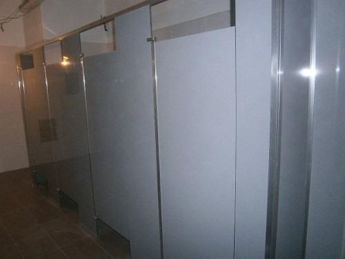tabiques y divisiones para baños en baquelita,mdp y aluminio