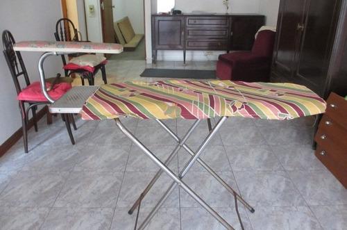 tabla de planchar con manguero y funda
