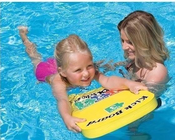 Tabla entrenadora de natacion para ni os intex piscina for Clases de piscina para bebes
