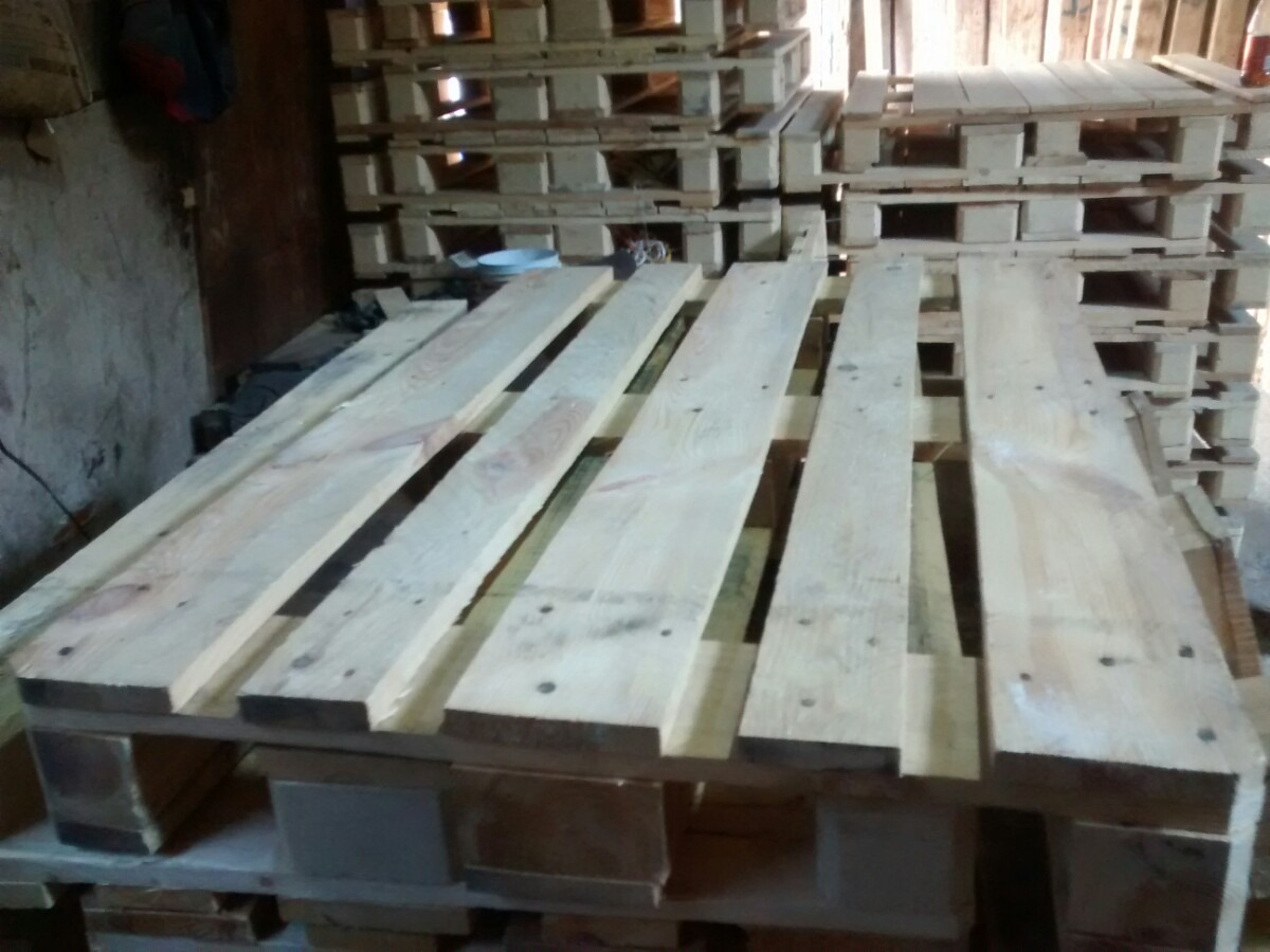 Tablas de madera para palets seminuevas en for Madera para palets