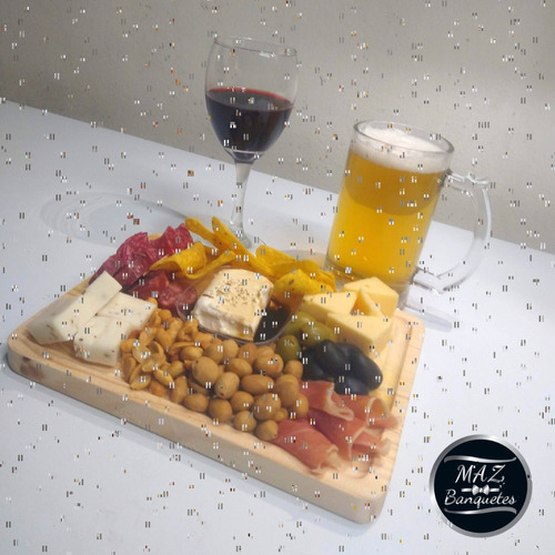 tablas de quesos y veladas románticas a domicilio