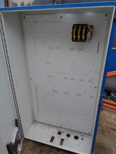 tablero metálico 150 x 90 x 30 con desconectador