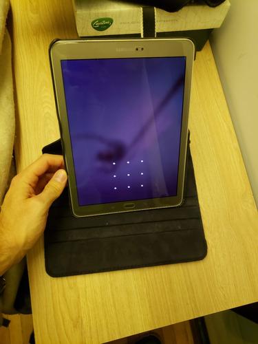 tablet samsung tab 2 usada siempre c- vidrio templado/funda