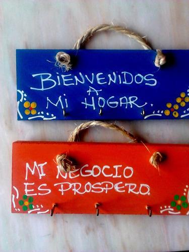 tablitas con mensajes en mdf para guindar las llaves.