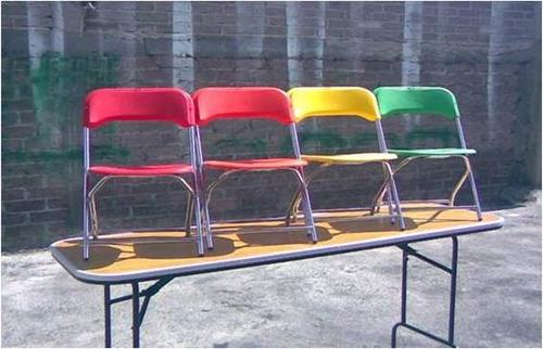tablones y sillas  mesas manteleria y fundas