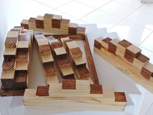 tabuleiro de xadrez 3d em madeira