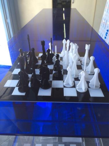 tabuleiro de xadrez em acrílico.