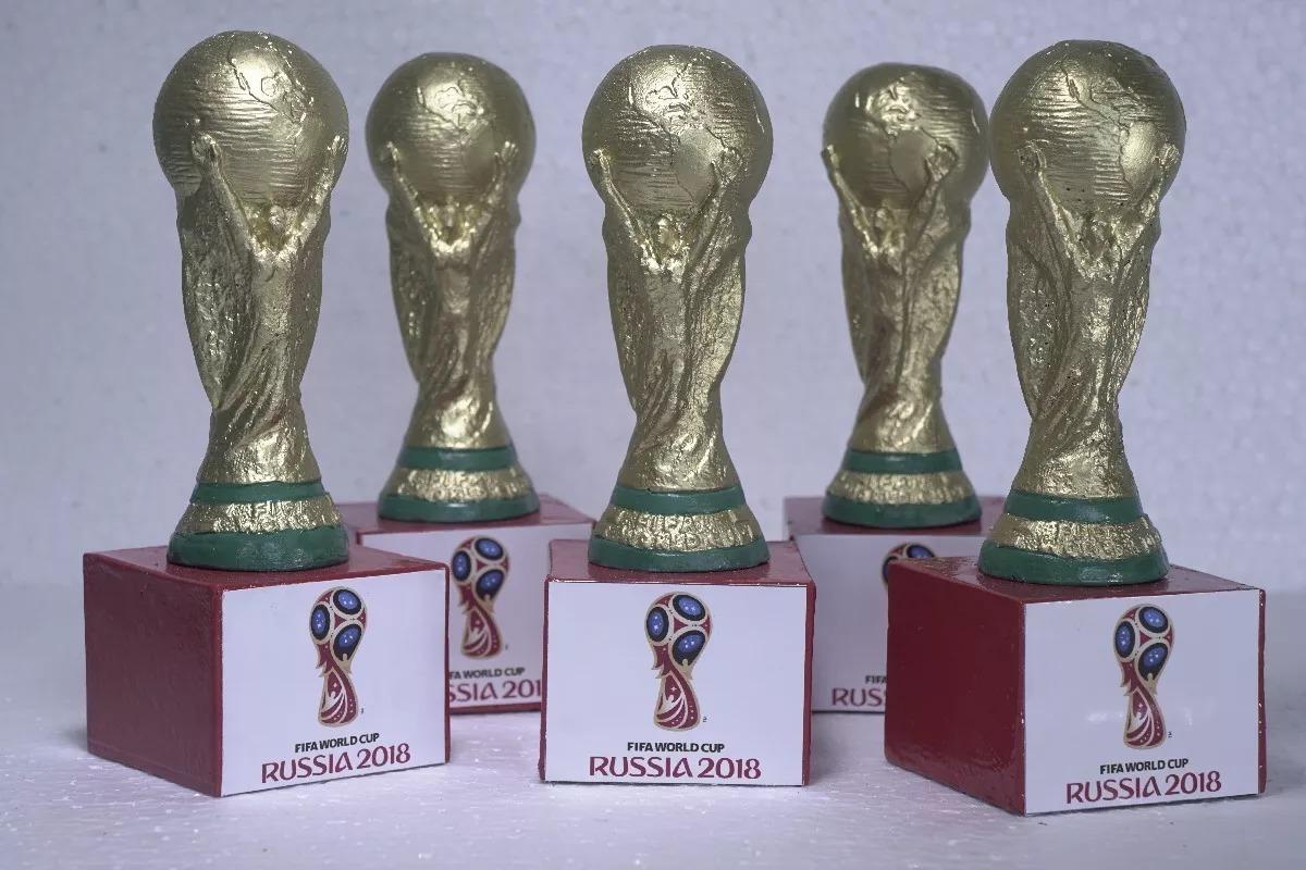 d1c8819679 Taça Da Copa Do Mundo 31 Cm + Mini Taça 11cm E 16cm Com Base - R ...