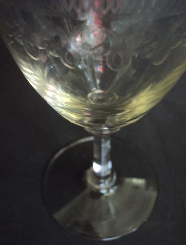 taça (s) para vinho em vidro com gravações
