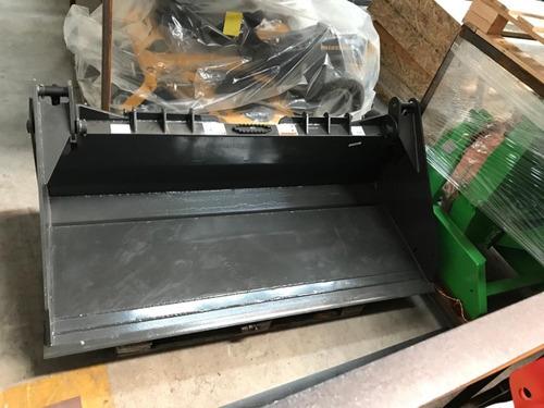 tacho almeja minicargadora reforzado ,1,80 mts ancho, usa