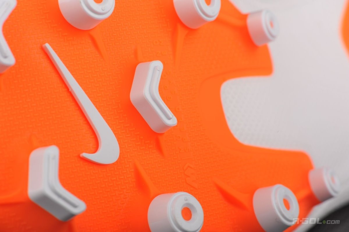 695628342cc32 tachones nike mercurial superfly blanco naranja ah7362-107. Cargando zoom.