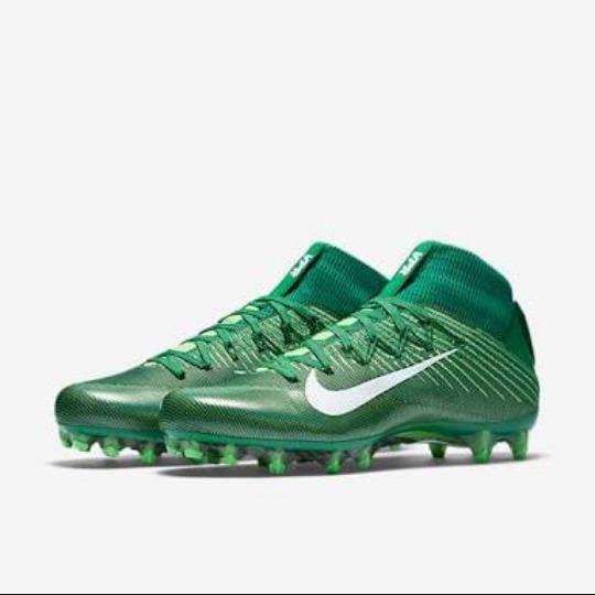 dc180869123eb Tachones Nike Untouchable 2 Football Americano. -   2