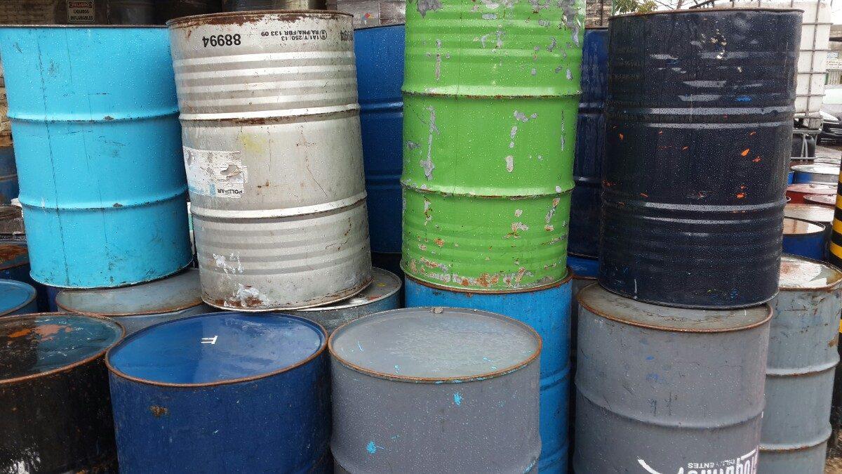 Resultado de imagen para tachos de 200 litros
