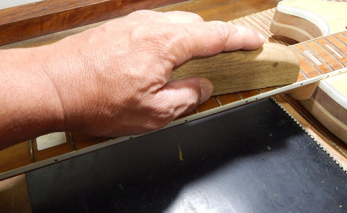 taco retífica de trastes com lima murça luthier