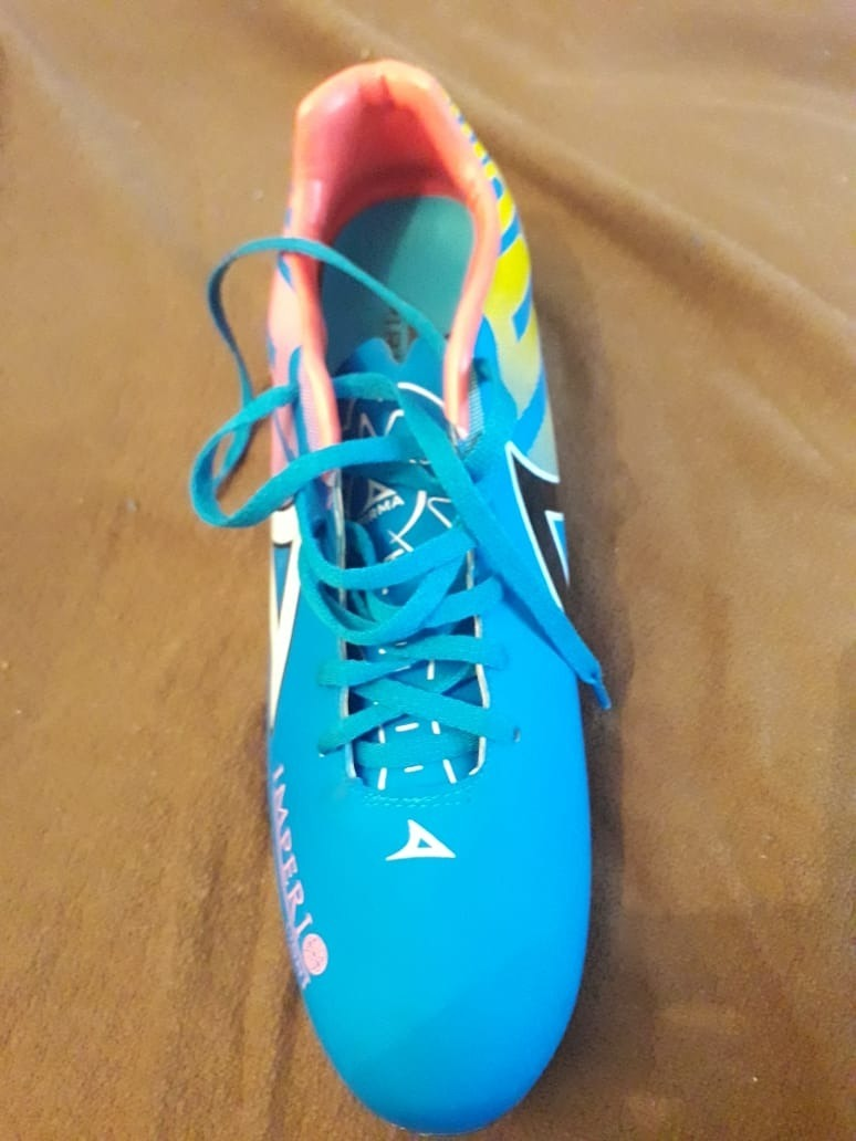 tacos para soccer marca pirma modelo imperio talla 8.5 nuevo. Cargando zoom. 5cc9aaeb8440c