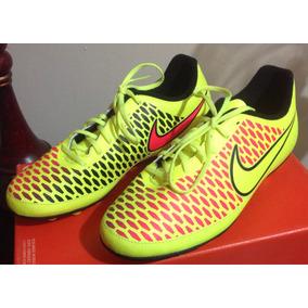 1c7f74f009535 Taquet Magista - Tacos y Tenis Césped natural Nike de Fútbol en ...