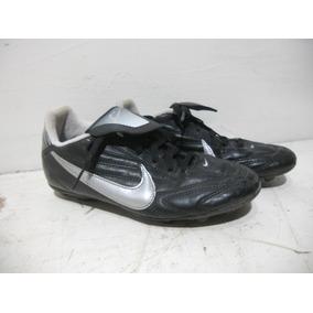 00aef7f40e63b Tacos Taquetes Nike Futbol Niños Talla 22.5 Cm  b094