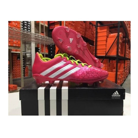 dabd9b8254aa7 Predator - Tacos y Tenis Césped natural Adidas de Fútbol en Mercado ...