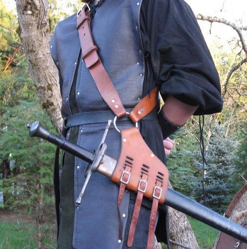 tahalí, correa para portar espada.  jp