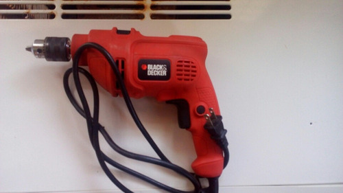 taladro black& decker