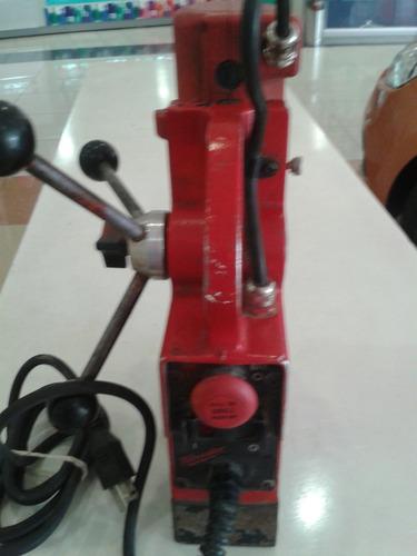 taladro electromagnetico milwauke