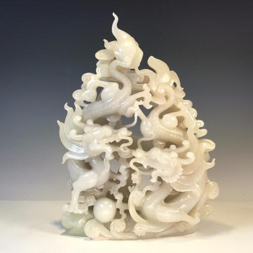 talla china de jade color humo tallada a mano