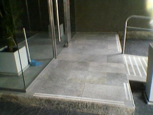 tallados antideslizantes para escalones, pisos y rampas