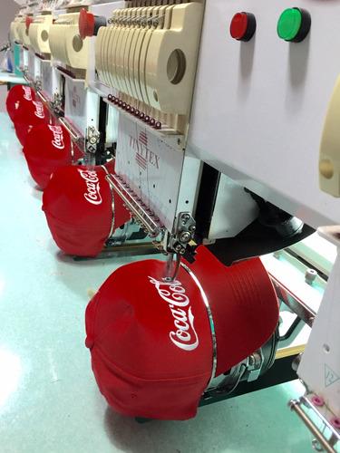 taller de bordados plano y gorras. productos terminados.