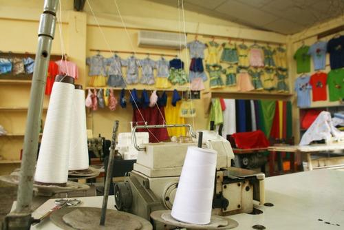 taller de costura , corte y confeccion