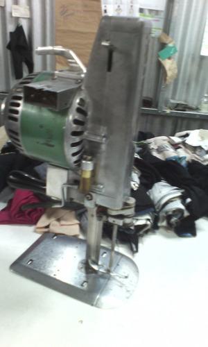 taller de costura,confección de prenda de autor y en serie