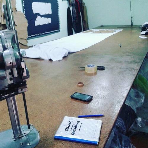 taller de molderia corte tizado textil