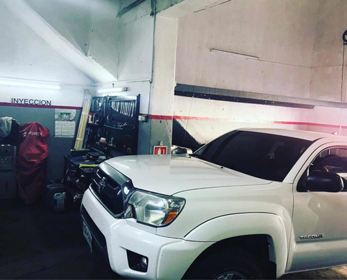 taller mecánico servicio  automotriz