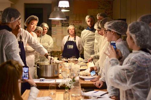 talleres urbanos de elaboración de quesos, cata y maridaje