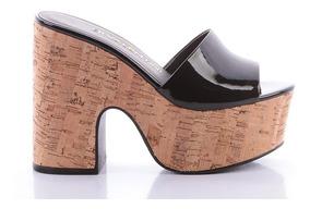 f0f6c6ef6 Sapato Valentino Com Tachas Original Mules - Sapatos com o Melhores ...