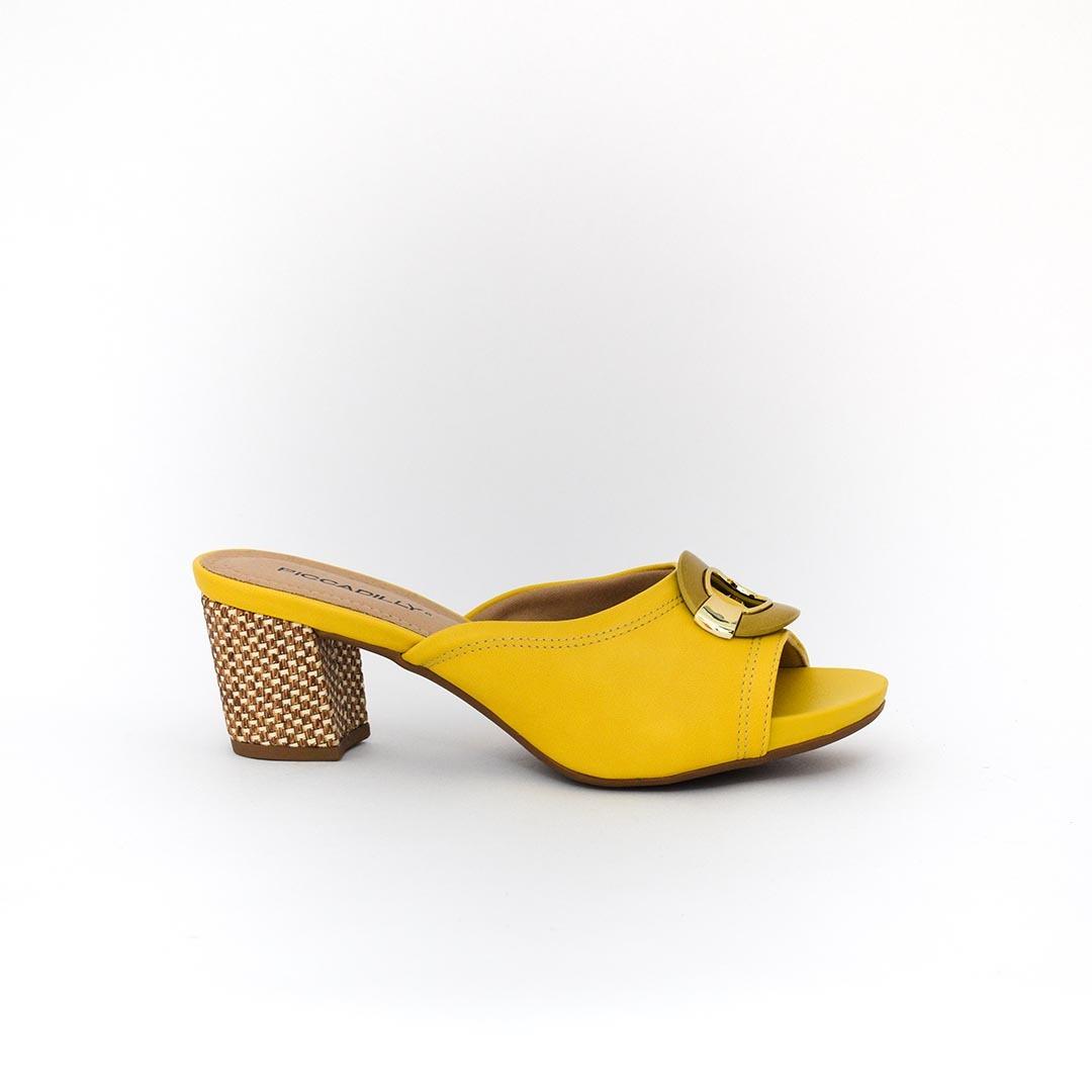 de1a1c3cc1 Tamanco Piccadilly 562015 Amarelo 100% Original - R  149
