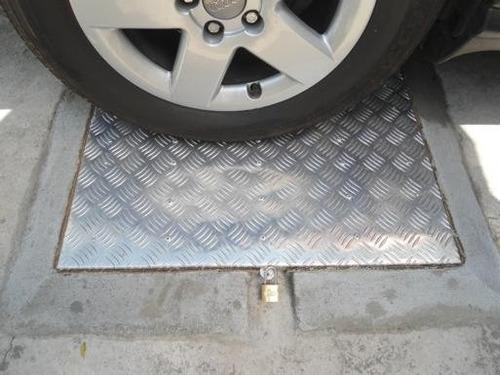 tampas de alumino p vedação de caixas d'água med 90x90 cm
