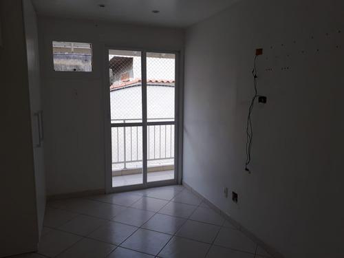 tanque-casa de vila vazia-r.manoel vieira - 3 q,1suíte,1vaga