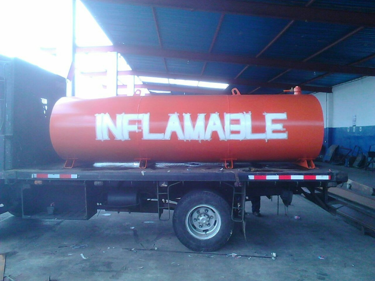 Tanque cisterna gasoil aceite combustibles todas la cap for Tanque cisterna