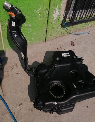 tanque de gasolina para bora, jetta mk5,buen estado limpio
