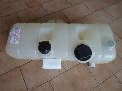 tanque expansion refrigerante volvo nh