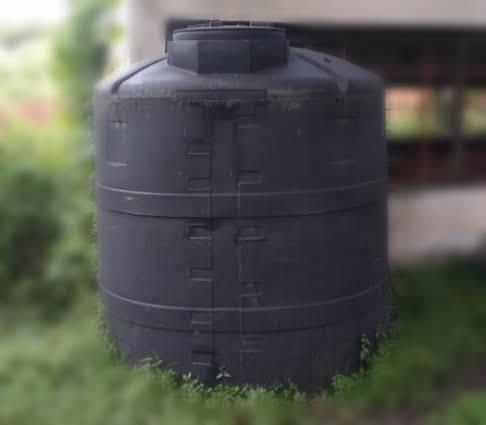 tanque / tinaco vertical 2500l std negro intemperizado