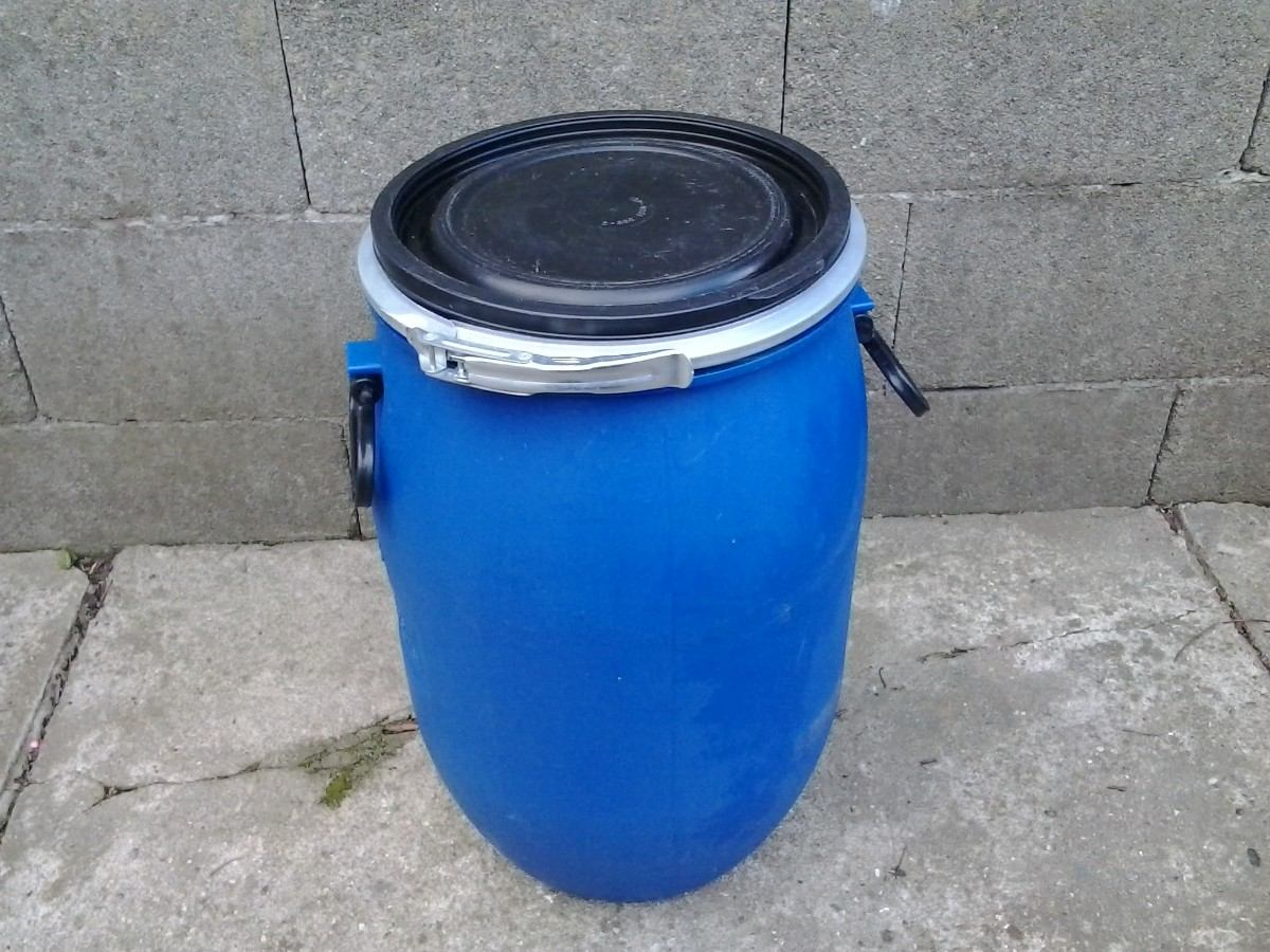 Tanques de plastico tarrinas plasticas de 30 litros for Piscicultura en tanques plasticos