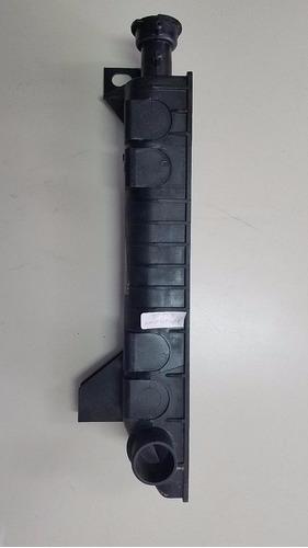 tanques entradas y salidas radiador bronco,f 150,f 350,8 cil