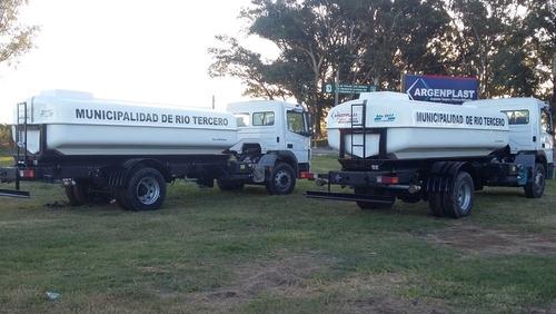 tanques plásticos con cuna metálica para montar en camiones