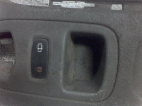 tapa de consola central con switch de seguros renaul laguna